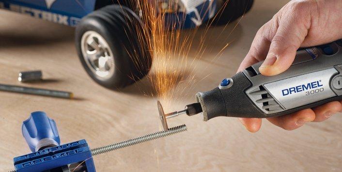Cortes en metales o tuberías precisos con Dremel®3000-3664