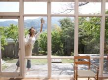 Cómo limpiar vidrios de ventanas, baños y autos perfectamente
