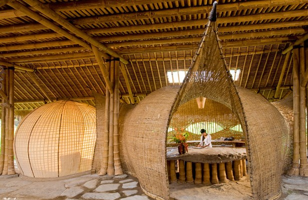 Construcci n con bamb ventajas y dise os revista ferrepat for Construccion y diseno de casas