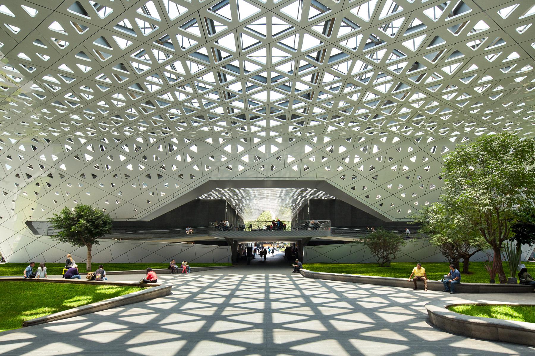 7 arquitectos mexicanos que han transformado la identidad for Arquitectos mexicanos