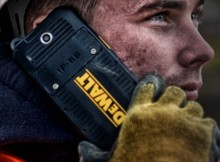 DeWalt-MD501-Tough-Smartphone-1
