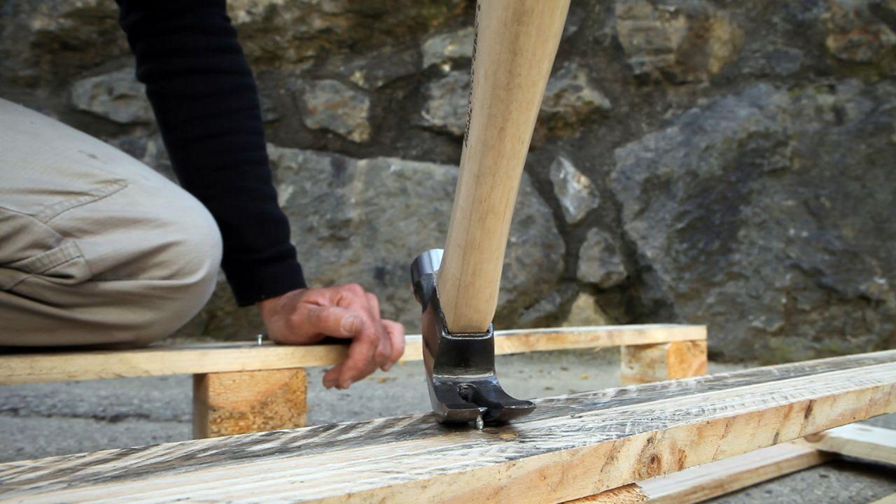 Cómo utilizar un cepillo canteador o canteadora de mesa-recuperar madera vieja