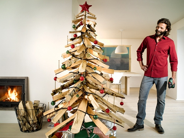 Cómo hacer un árbol de navidad casero con cosas recicladas2018