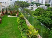 La Ciudad de México impulsa, desde 2007, la instalación de azoteas verdes, que ayudan a disminuir los índices del CO2 e, incluso, ofrece una reducción del 10% en el impuesto predial a quien instale una azotea verde en su domicilio.
